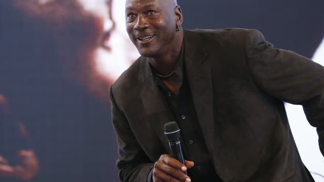 En 2014, Michael Jordan a empoché près de 100 millions de dollars.