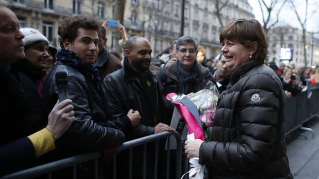 L'ambassadrice du Danemark en France Anne Dorte Riggelsen, lors d'une rassemblement devant l'ambassade à Paris dimanche 15 février.