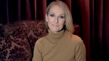 Céline Dion dans la vidéo où elle annonce, le 17 février 2021, le report de sa tournée européenne à 2022.
