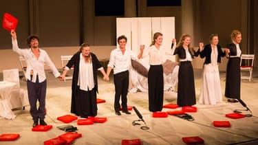 """La troupe des """"Liaisons dangereuses"""" mise en scène par Anne-Marie Philipe"""