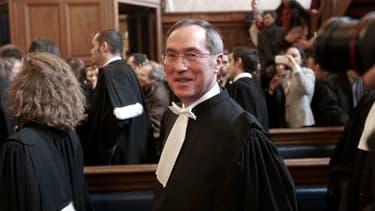 Claude Guéant prête serment pour devenir avocat en 2012, à Paris.