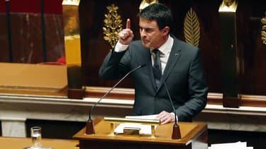 """Manuel Valls, a appelé mardi tout à la fois à lutter contre l'antisémitisme et à protéger les """"compatriotes musulmans"""", dans son discours devant l'Assemblée nationale lors d'une séance spéciale d'hommage aux victimes des attentats."""