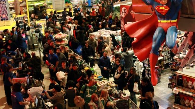 Une foule au magasin Toy R Us de Times Square le 26 novembre.