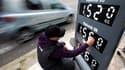 La semaine dernière, le super sans plomb 95 a atteint 1,5383 euro/litre en moyenne, et le super sans plomb 98 : 1,5752 euro/litre.