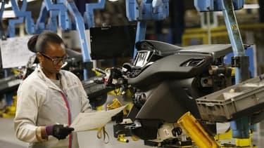 PSA Peugeot Citroën compte engager d'ici juin des négociations sur sa compétitivité en France, emboîtant le pas à Renault et à plusieurs équipementiers automobiles, tous confrontés à des surcapacités chroniques sur un marché en berne en Europe. /Photo pri