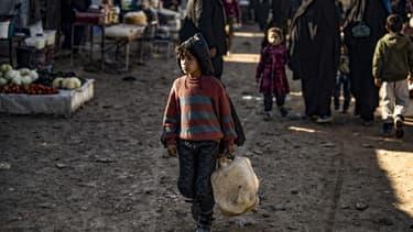 Un enfant dans le camp de al-Hol, en Syrie, où se trouvent la majorité des femmes et enfants étrangers affiliés à Daech, le 14 janvier 2020