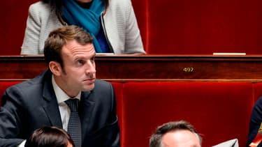 Emmanuel Macron, le ministre de l'Economie, défend les projets gouvernementaux
