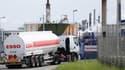 Si le site ExxonMobil de Notre Dame de Gravenchon (1.000 salariés pour la raffinerie) basculait dans la grève mardi 24 mai 2016, cela signifierait que les trois plus grosses raffineries de France seraient stoppées.