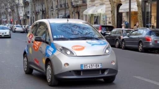 Les premières Blue Car, avec volant à droite, devraient circuler dans les rues de Londres dans un an.