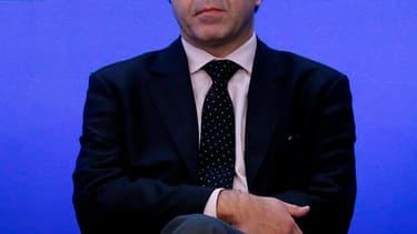 Luc Chatel, qui préside le courant France moderne et humaniste au sein de l'UMP, veut défendre le projet d'une union budgétaire et d'une fédération franco-allemande devant les Français dans la perspective des élections européennes de 2014. /Photo d'archiv
