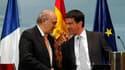 Manuel Valls en compagnie de son homologue espagnol Jorge Fernandez Diaz. Le désarmement et la dissolution de l'organisation indépendantiste basque ETA sont un préalable indispensable à toute discussion, a déclaré le ministre de l'Intérieur, qui était en