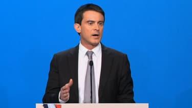 """Manuels Valls a tenu a assurer que le pacte se ferait """"sans remettre en cause le modèle social français""""."""