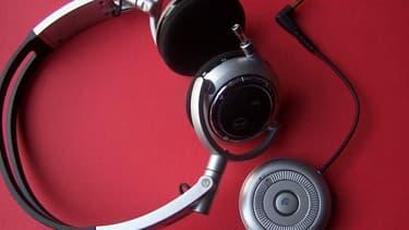 Un casque audio et un fichier mp3 seraient-ils suffisant pour se droguer? (illustration)