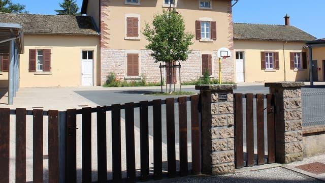 Une élève de CE1 a pu quitter son école sans que personne ne s'en aperçoive. Photo d'illustration (école de Saint-Genis-sur-Menthon).