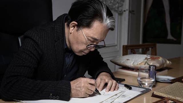 Le créateur japonais de Kenzo est mort à 81 ans