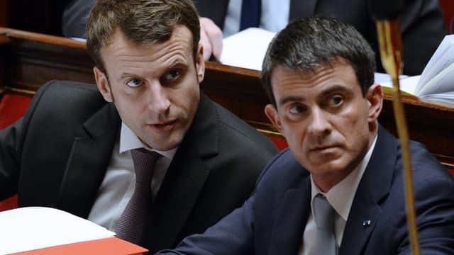 Manuel Valls et Emmanuel Macron ont tous les deux justifié, ce mardi soir sur TF1 et France 2, le recours à l'article 49-3 pour la loi Macron.