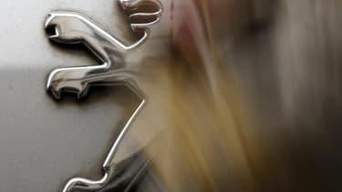 La survie du groupe français PSA Peugeot Citroën passe par une alliance de long terme avec un autre acteur du marché automobile, a réaffirmé dimanche Arnaud Montebourg. Le ministre du Redressement productif exclut par ailleurs une étatisation provisoire d
