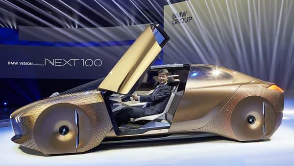 """Portes en élytres, """"conducteur augmenté"""" et coefficient de pénétration dans l'air réduit, BMW présente sa vision du futur."""