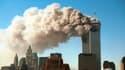 Les tours du World Trade Center en flammes après les attaques du 11-Septembre à New York (États-Unis).