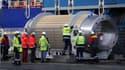 Des déchets nucléaires sont déchargés de l'Oceanic Pintail, le 14 septembre 2015 à Cherbourg-Octeville.