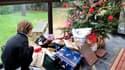 Certains acheteurs préfèrent réserver aux enfants les cadeaux trouvés au pied du sapin.