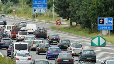 """Les sociétés d'autoroutes bénéficie d'une """"rentabilité exceptionnelle"""" comprise entre 20% et 24%."""