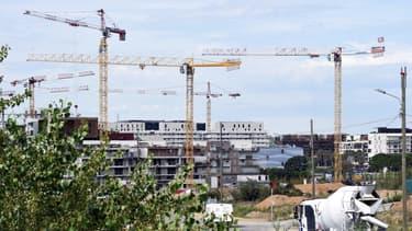 Pour favoriser la construction de logements intermédiaires, Bercy va faciliter la vente de terrains appartenant à l'Etat. Une façon de faire baisser les prix.