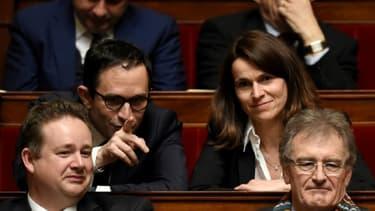 Les anciens ministres socialistes Aurélie Filippetti et Benoît Hamon (2e rang), à l'Assemblée nationale, le 1er avril 2015