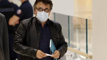 Patrick Pelloux à la sortie du tribunal le 8 septembre 2020, lors du procès des attentats de Charlie Hebdo.