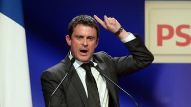Manuel Valls, lors d'un meeting du Parti socialiste, le 27 novembre 2013.