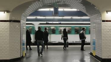 """Un """"harceleur à la couronne"""" dans le métro"""