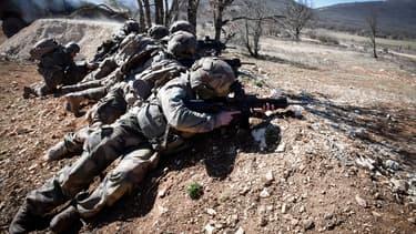 L Armee Francaise Commande 75 000 Nouveaux Pistolets A L Autrichien Glock