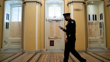 Un policier dans les couloirs du Capitole. (photo d'illustration)