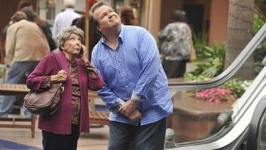 """Eric Stonestreet et Norma Michaels dans """"Modern Family"""""""