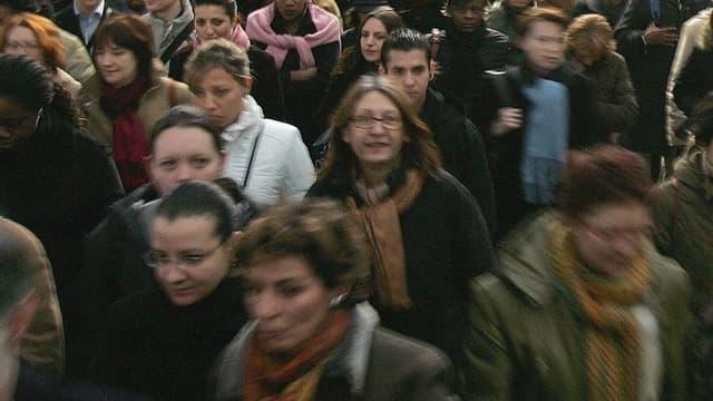 Un racisme anti-Blanc se développe bien dans les quartiers des grandes villes pour 56% des Français et ils sont 51% à penser que le secrétaire général de l'UMP, Jean-François Copé, a eu raison d'en parler, selon un sondage TNS-Sofres pour i<Télé. /Photo d