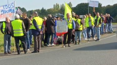 Des gilets jaunes mobilisés à Saint-Brieuc, en Bretagne, samedi 16 octobre 2021