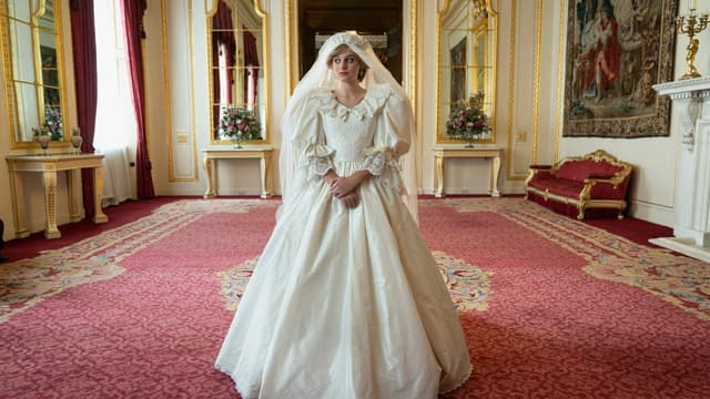 """Emma Corin incarne la prince Diana dans la prochaine saison de """"The Crown"""""""