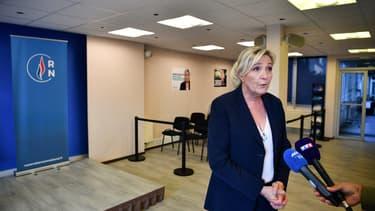 Marine Le Pen au siège du RN.
