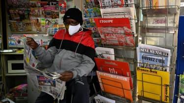 Kiosque à journaux à Marseille, en mai 2020