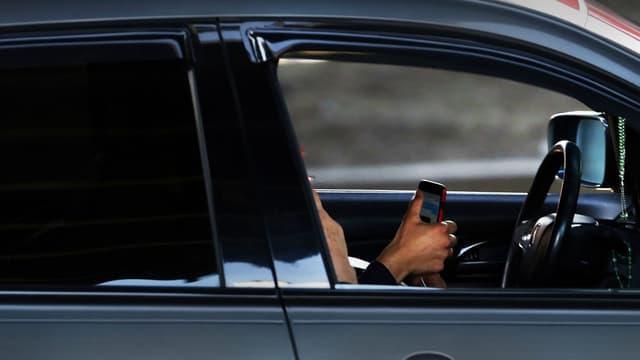 Image d'illustration - La police anglaise ruse pour traquer les utilisateurs de smartphone au volant.
