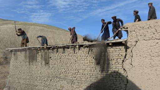 La catastrophe a tué au moins 300 personnes, transformant le village d'Aab Bareek en cimetière.
