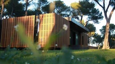 Réalisé en octobre 2013, ce projet prototype a été la marque de fabrique du groupe. Il s'agit d'une maison de 130 m² à Aix-en-Provence (13).