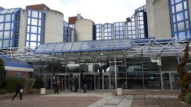 Le policier est jugé au tribunal correctionnel de Bobigny, en Seine-Saint-Denis.