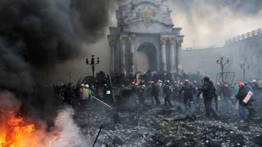 Les affrontements entre manifestants et forces de l'ordre ont fait au moins 100 morts au cours de la seule journée de jeudi, à Kiev.