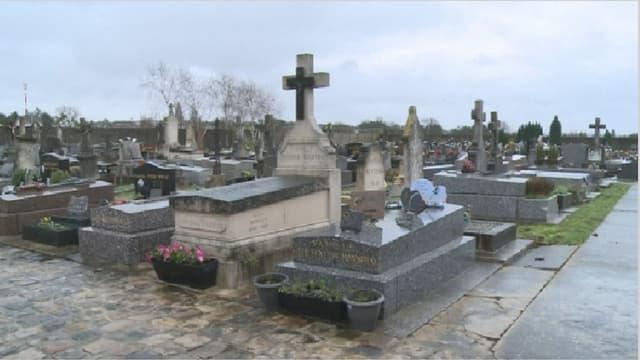 Le cimetière de Champlan, où les parents avaient demandé à faire enterrer leur bébé, Maria Francesca.