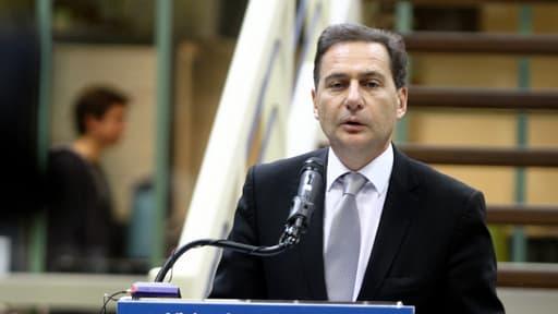 L'ancien ministre Eric Besson renonce à se représenter à la mairie de Donzère, dans la Drôme.