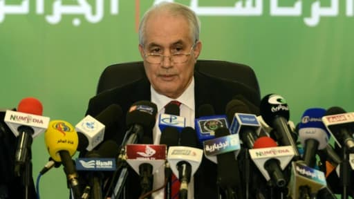 Le président du Conseil constitutionnel algérien, Taïeb Belaiz, donne une conférence de presse à Alger, le 18 avril 2014