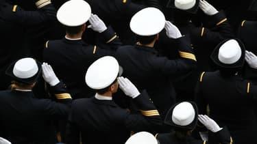 Des militaires à l'Hôtel des Invalides le 27 novembre 2017 à Paris.