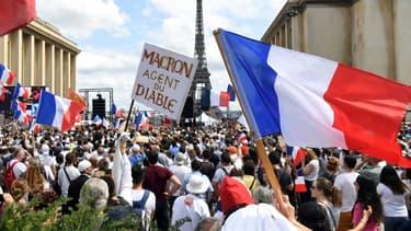 Manifestation anti pass sanitaire, à Paris le 24 juillet 2021.