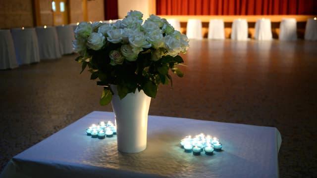 La salle de réception de Puisseguin a été transformée en chapelle éphémère, à la mémoire des victimes de la collision meurtrière de vendredi.